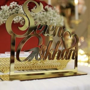 Gold renk pleksi isimlik modelleri