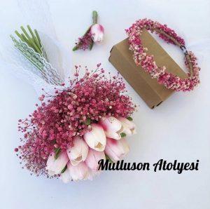 Gelin çiçeği buketi ve taçı beyaz pembe