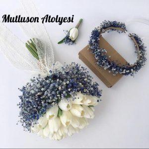 Gelin çiçeği buketi ve taçı mavi